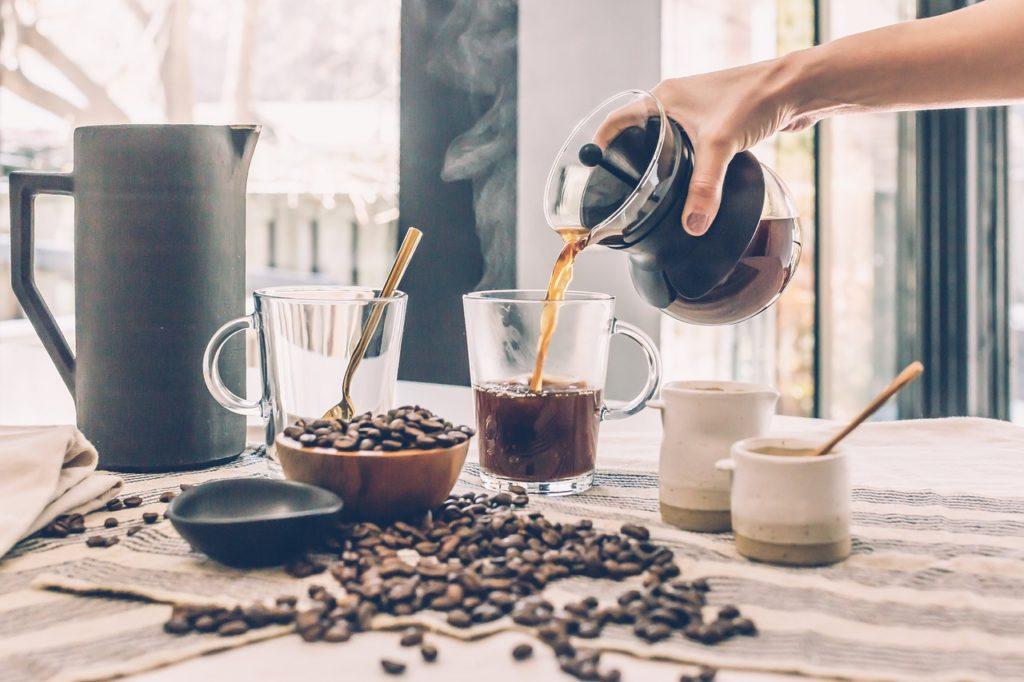 コーヒーの美味しい淹れ方とは?種類の違いからコツまで解説【決定版】