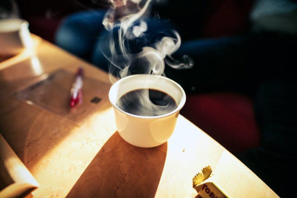 コーヒーのカフェインを上手に摂取しよう