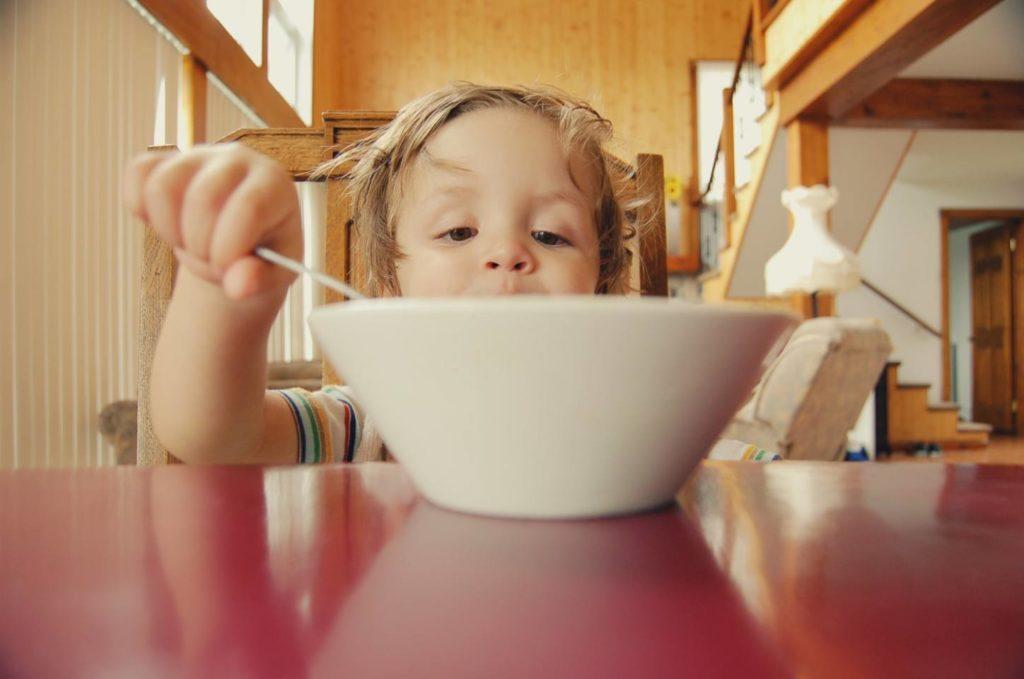 コーヒー豆のまま食べることも可能!栄養成分も変わってくる