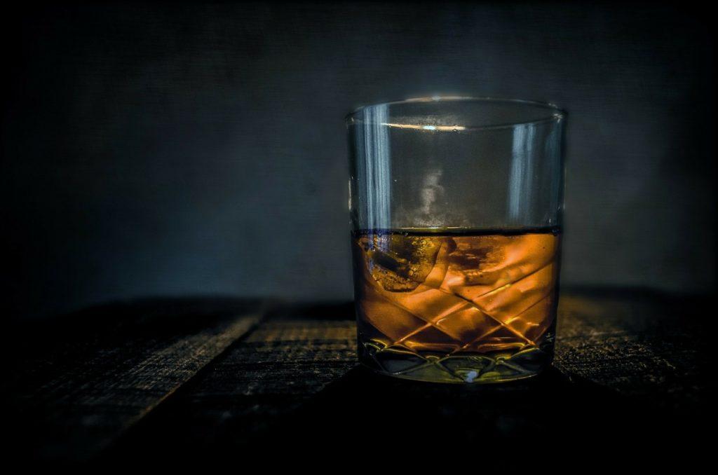 コーヒーとウイスキーは合う?意外な3つの共通点と美味しい組み合わせ