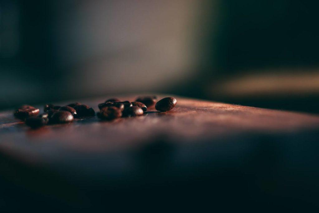 大人のおやつとして人気のコーヒー豆チョコ