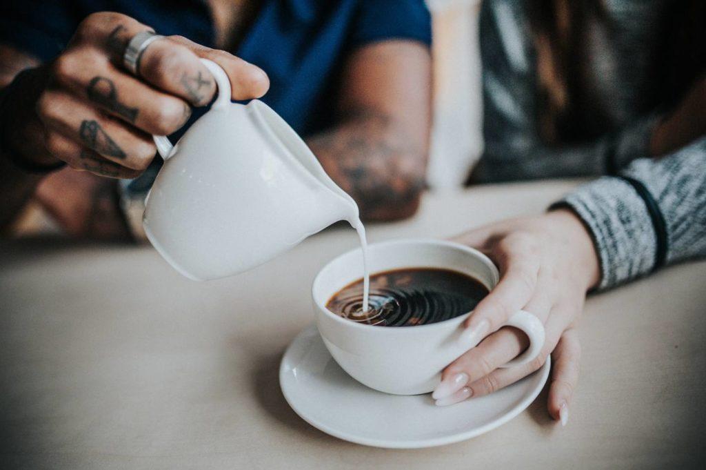 コーヒーのお菓子が体に与える影響