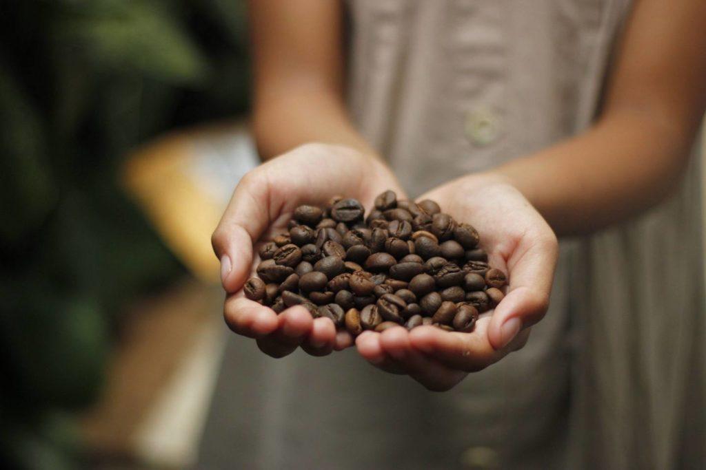 コーヒー豆は焙煎度合いによって大さじの量が変わる