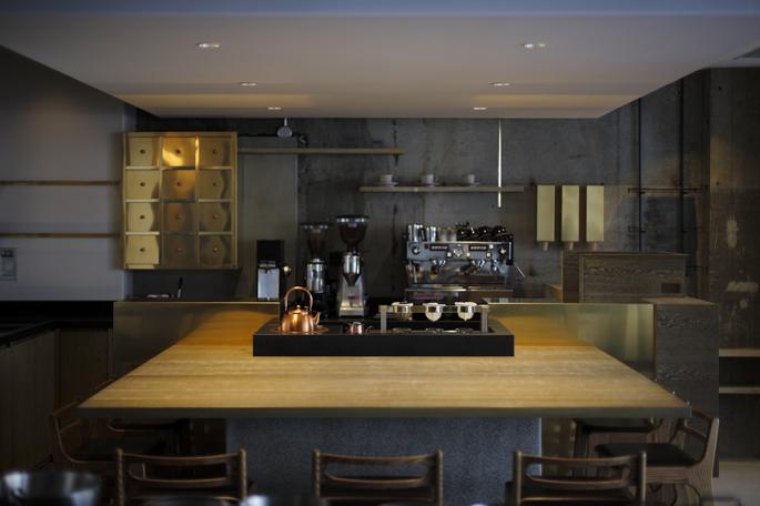 6.【三軒茶屋】コーヒー豆から一杯ずつ丁寧に抽出する専門店「COBI COFFEE 」