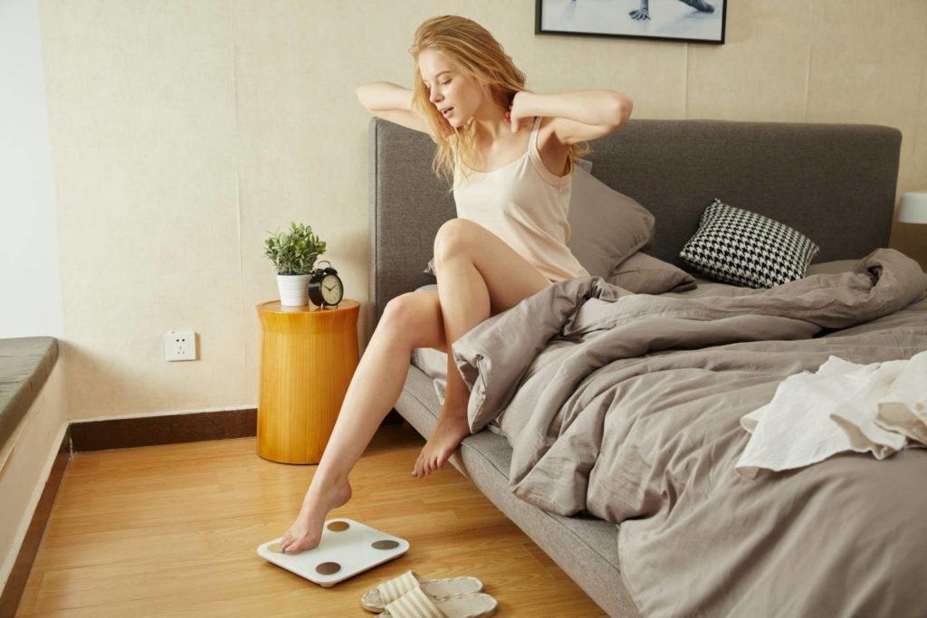 朝にコーヒーを飲むなら起床から1時間後!対処法をおさえよう