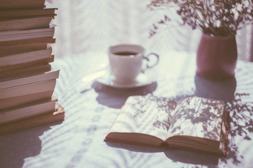朝にコーヒーを飲むと期待できる効果
