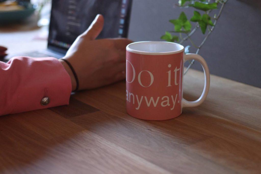 風邪をひいた時に飲むコーヒーには様々なメリット・デメリットがある