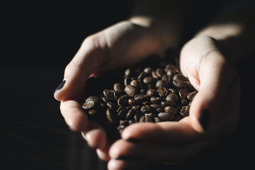 適切なコーヒー豆の量を理解して美味しいコーヒーを淹れよう!