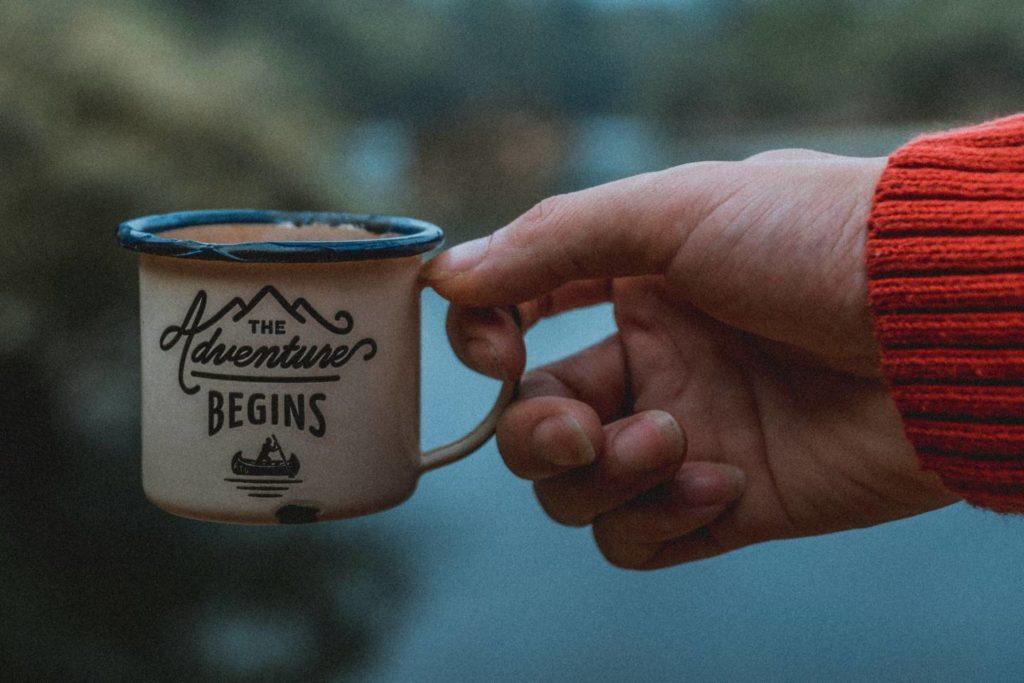 キャンプで飲むコーヒーは格別に美味しい