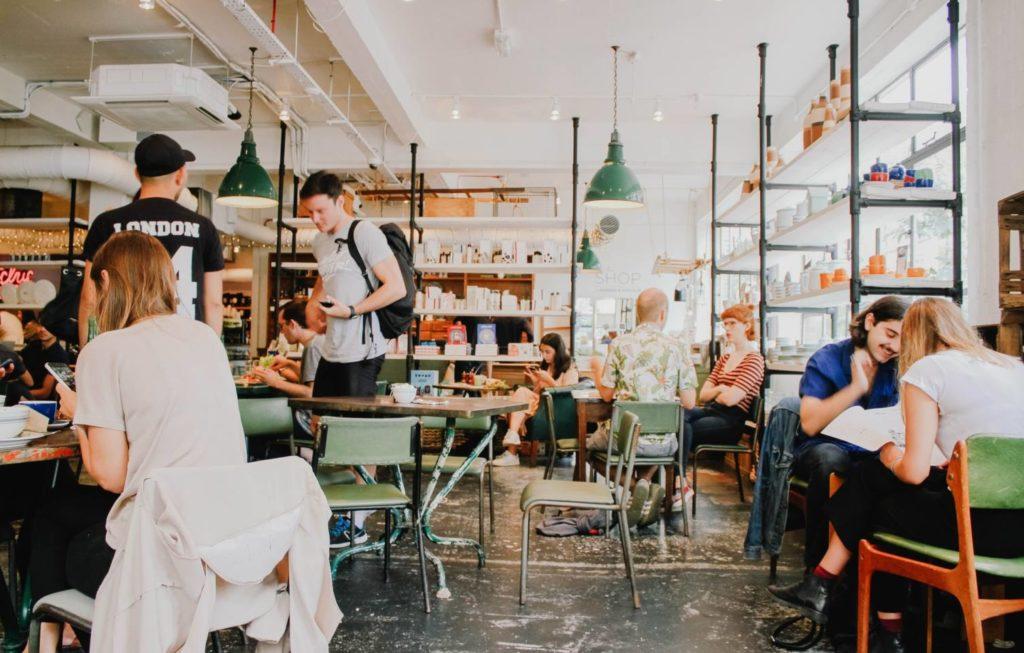 お気に入りの有名なお店でコーヒーを購入しよう!