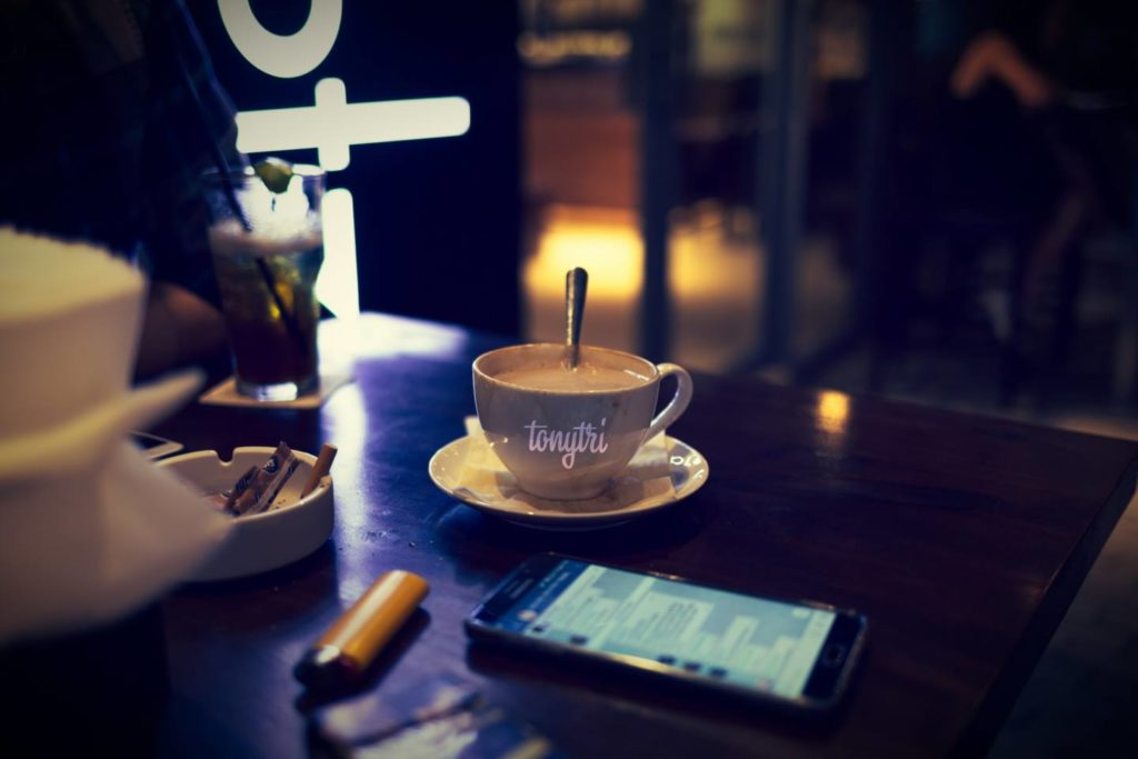 夜にコーヒーを飲む際の注意点