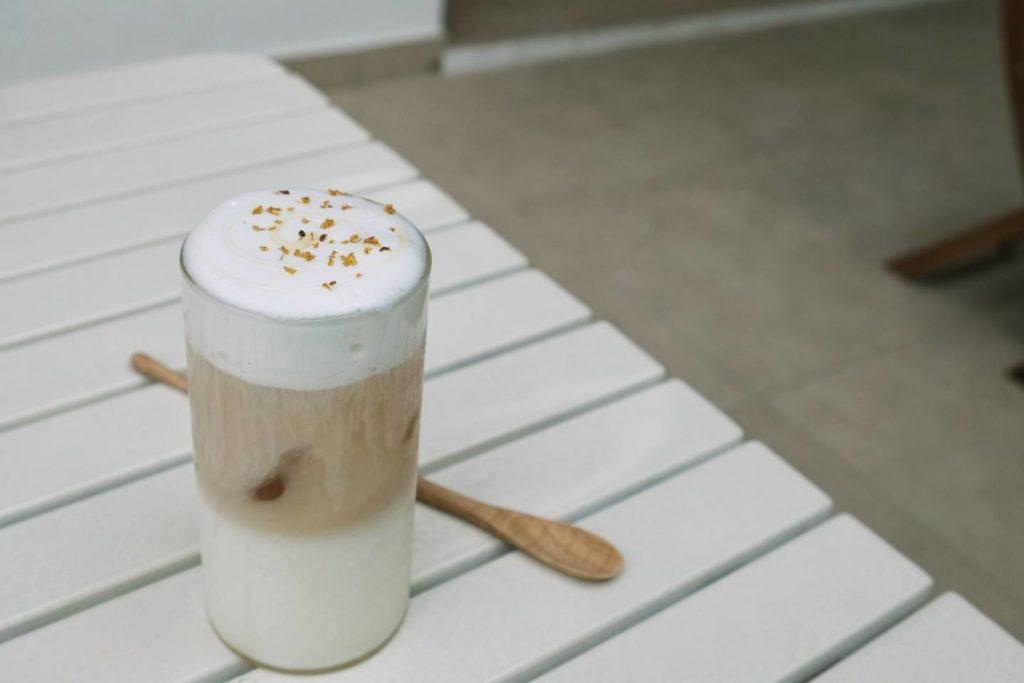 3. 【アレンジ】シナモンの味が豆乳とコーヒーに合う
