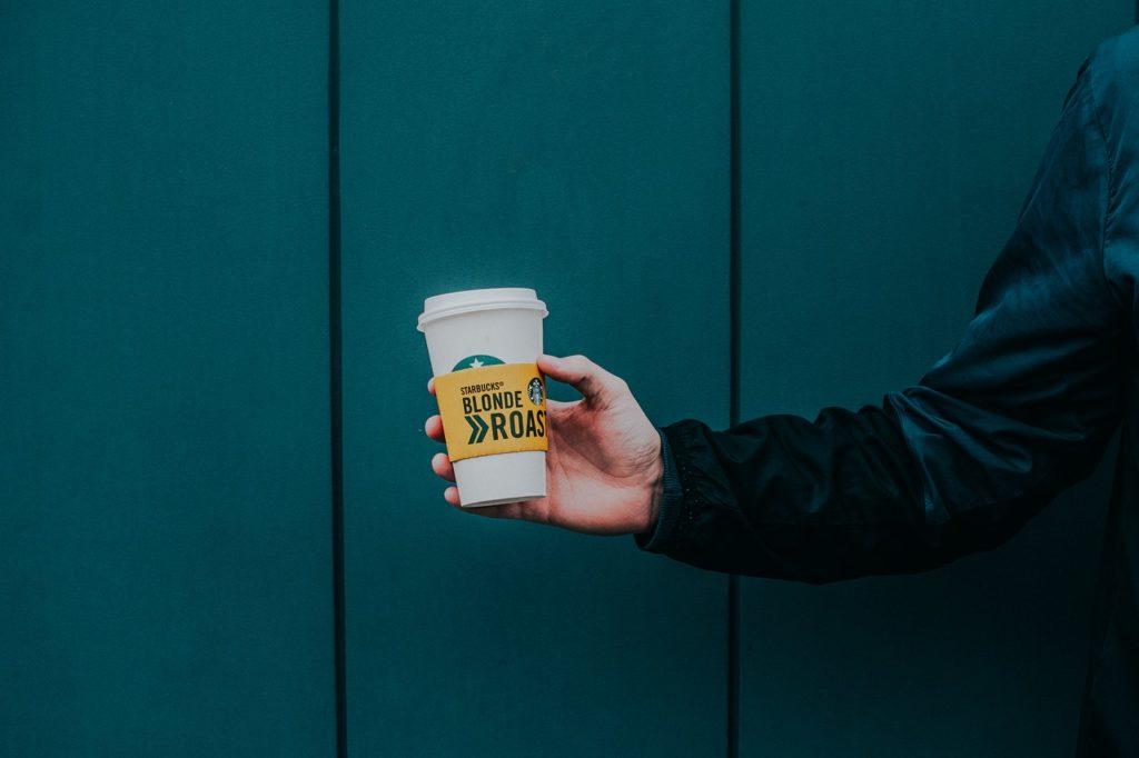 デカフェに使用するスタバのコーヒー豆
