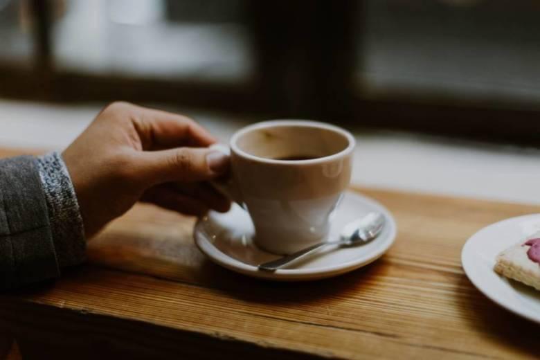 コーヒーはどれくらいで飲み過ぎになるのか