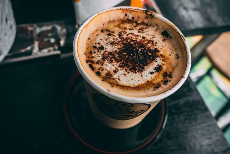 ウインナーコーヒーの美味しい飲み方