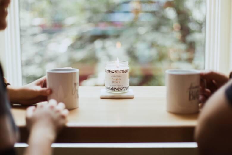 人気のコーヒーウォーマーを使って温かいコーヒーを飲もう!