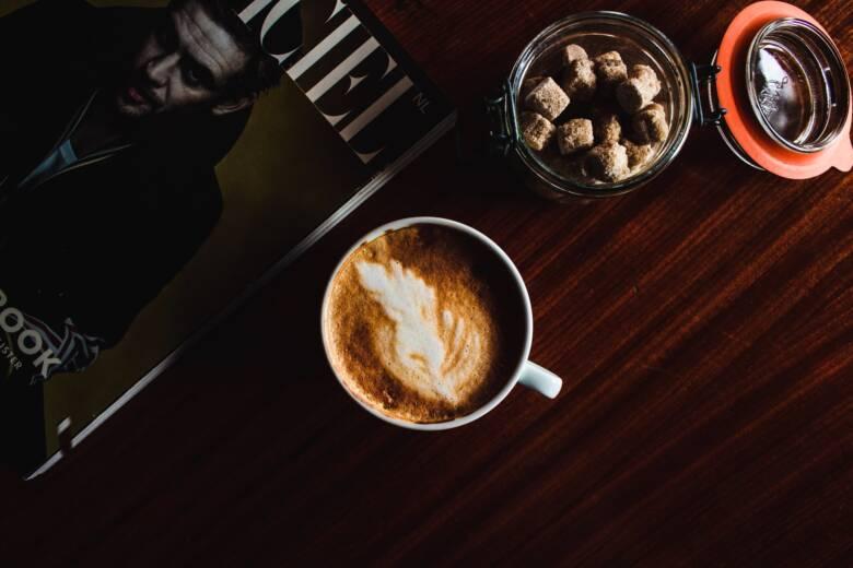 ココアとコーヒーを混ぜた「カフェモカ」をおすすめできる時間帯