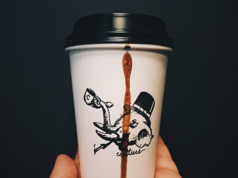 コーヒーの染み抜きによって服は傷むのか