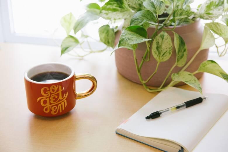 コーヒーマグカップの汚れが気になる方必見!正しいお手入れ方法