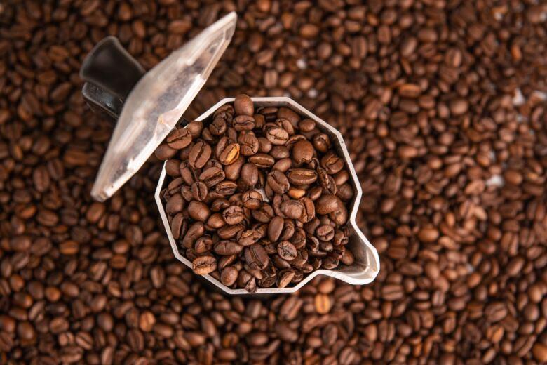 自家焙煎のコーヒー豆は新鮮で美味しい
