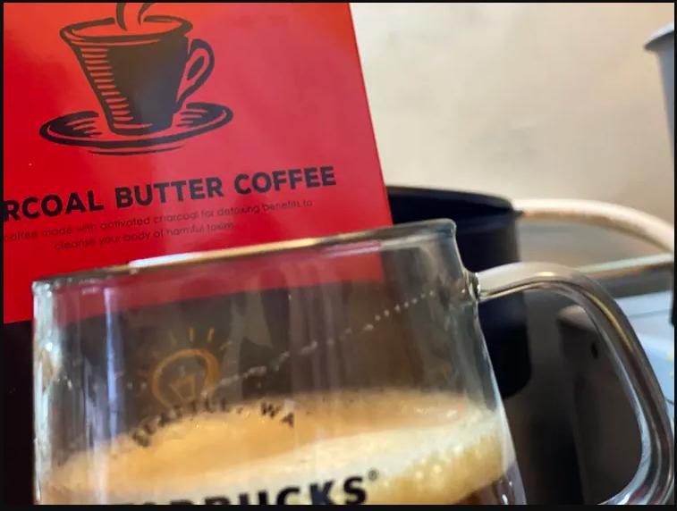 2. 「チャコールバターコーヒー」