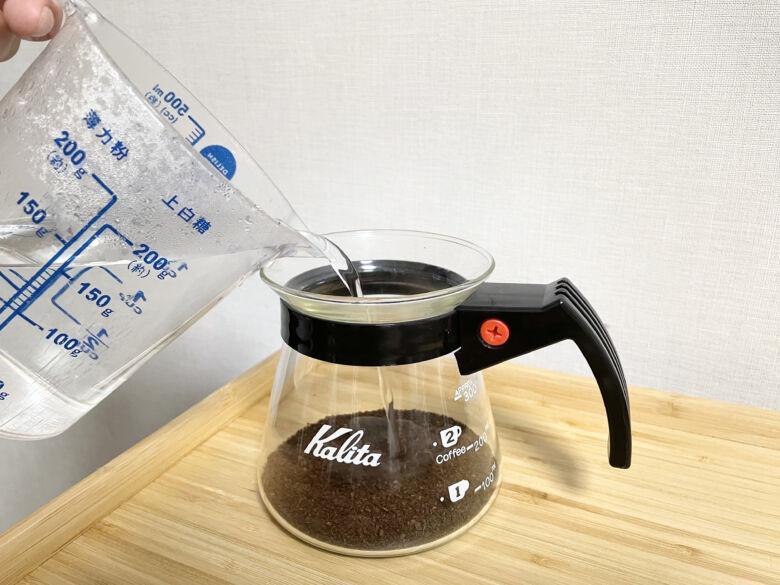 3. コーヒーと水の分量