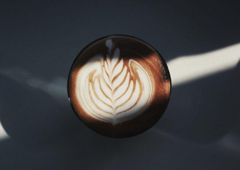 ダイエットにはアイスコーヒーとホットコーヒーどちらがより効果的?